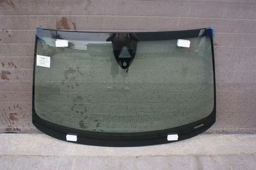 Audi A8 D4 2010 – present front windscreen with sensor
